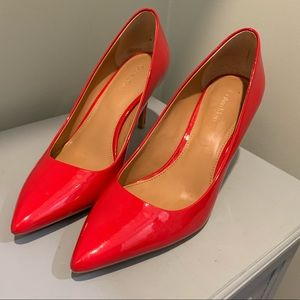 Red pumps patent leather